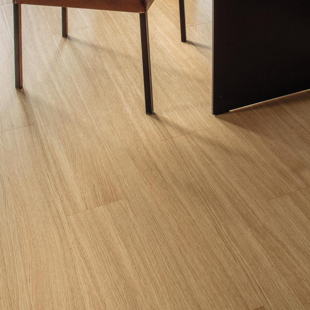 Room scene living room wood floor Veneer Parquet EI0AB0 Oak Urban LM
