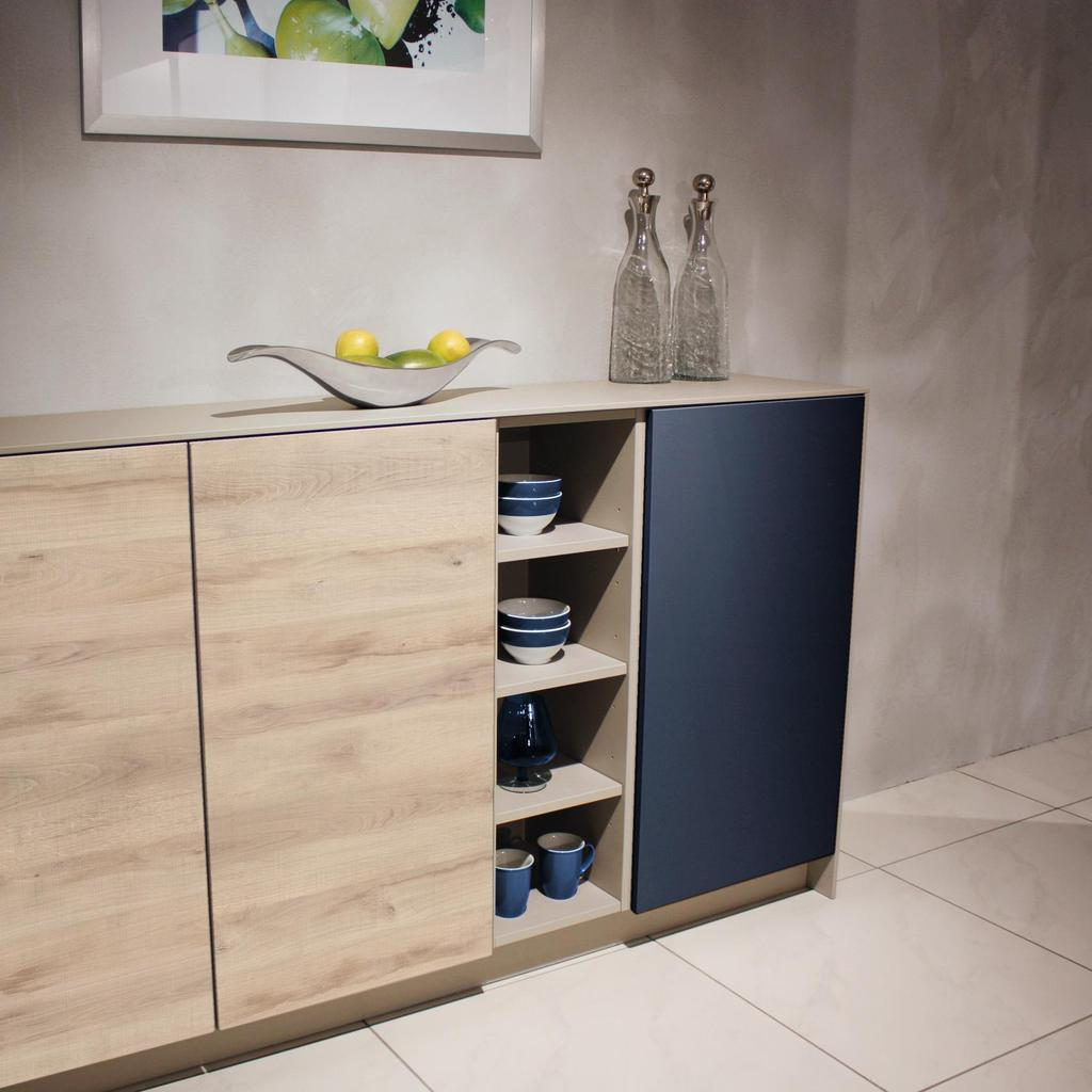 Decor 28984 BS Blu Marino in combinazione con K4410 AW Native Oak Light