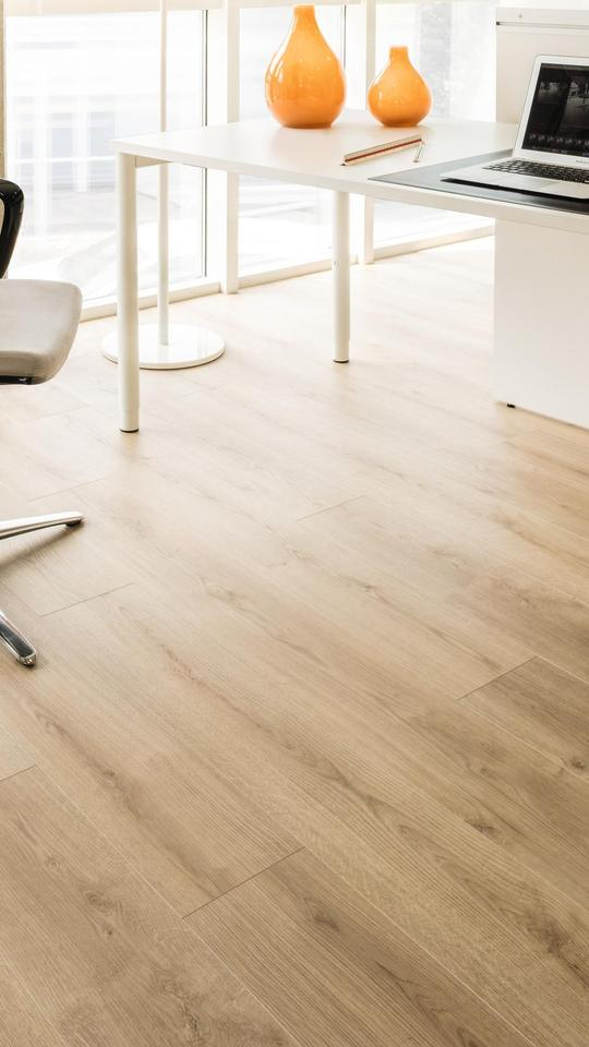 K4420 Oak Evoke Classic Ri, Laminate Flooring Ri