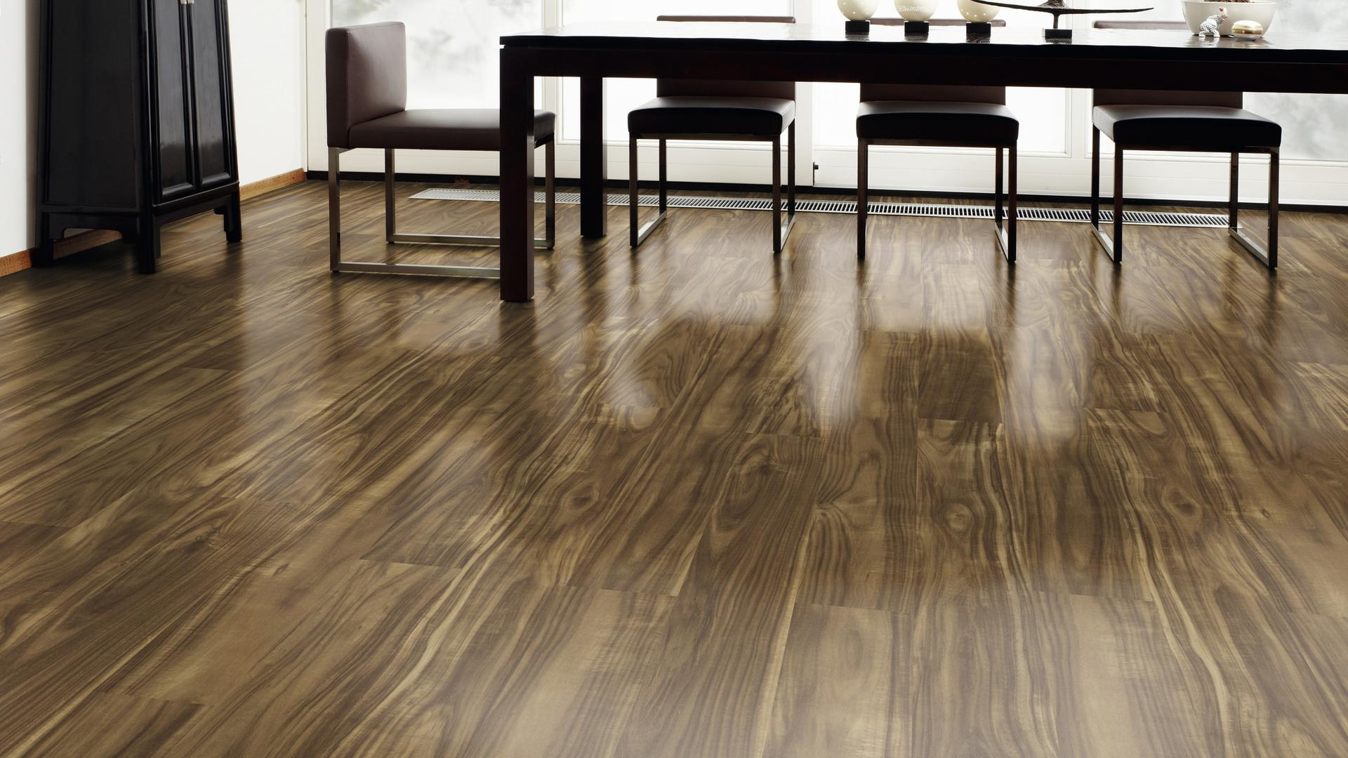 room scene dining room Laminate floor Easy Touch O430 Acacia Eastside HG