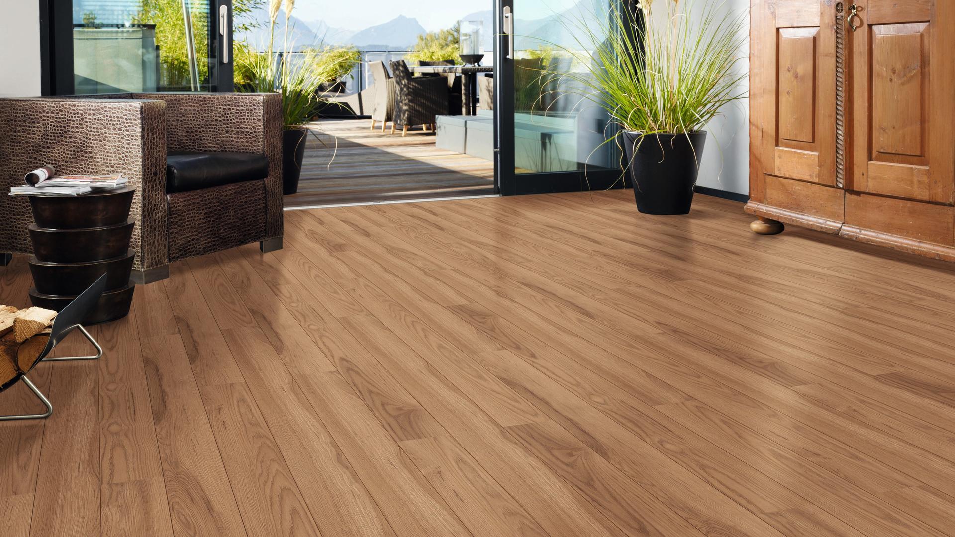 38058 Hickory Soave Av Wire Brushed Floor Kaindl