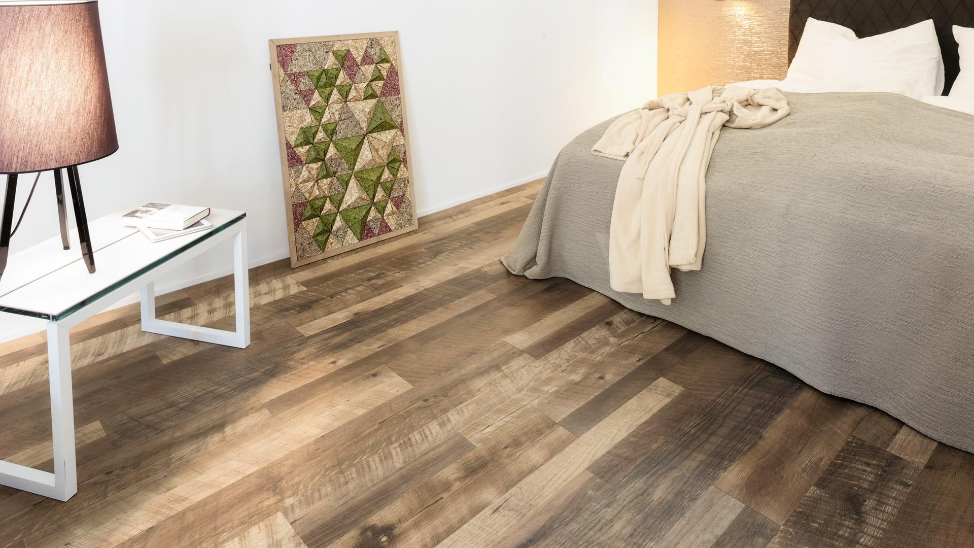room scene bedroom wood floor Veneer Parquet O370 Oak Heritage LM